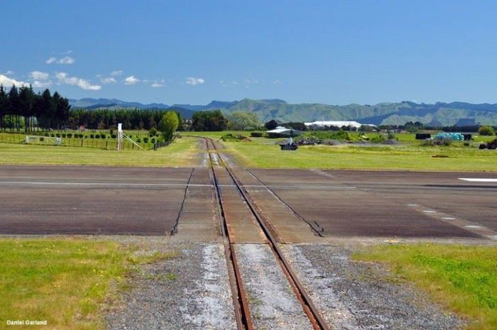 Gisborne Airport (14 pics)