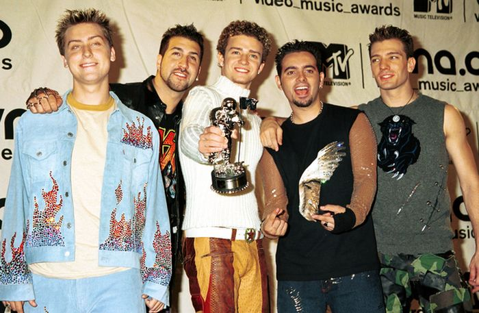 Photos from 2000 VMAs (57 pics)