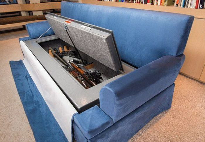 Couch with a Secret (6 pics)