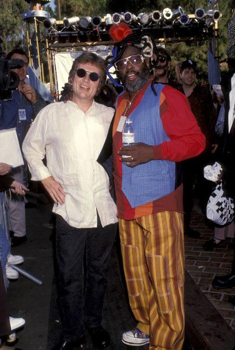 Photos from the 1993 VMAs (39 pics)