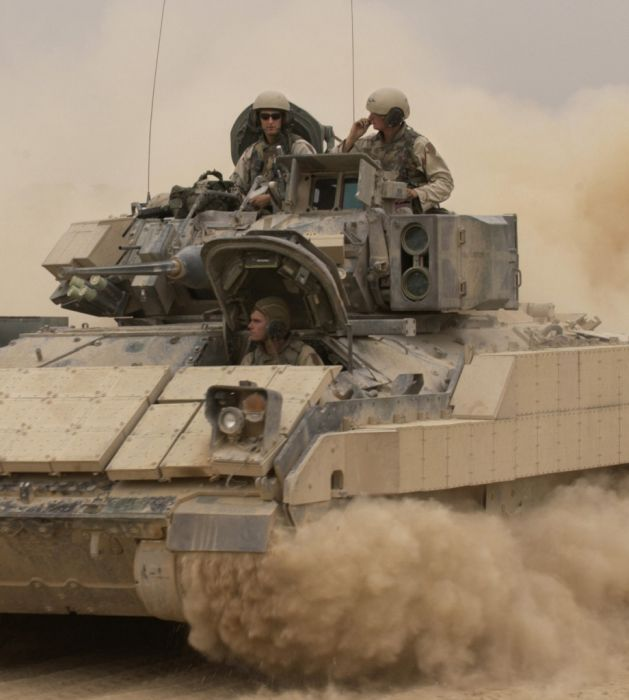 M2/M3 Bradley Fighting Vehicle (53 pics)