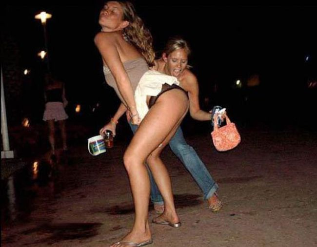These Girls Know How to Party (28 pics)