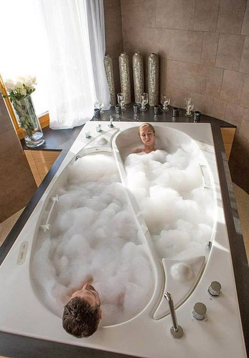 Couple Bath Worth $55,000 (9 pics)