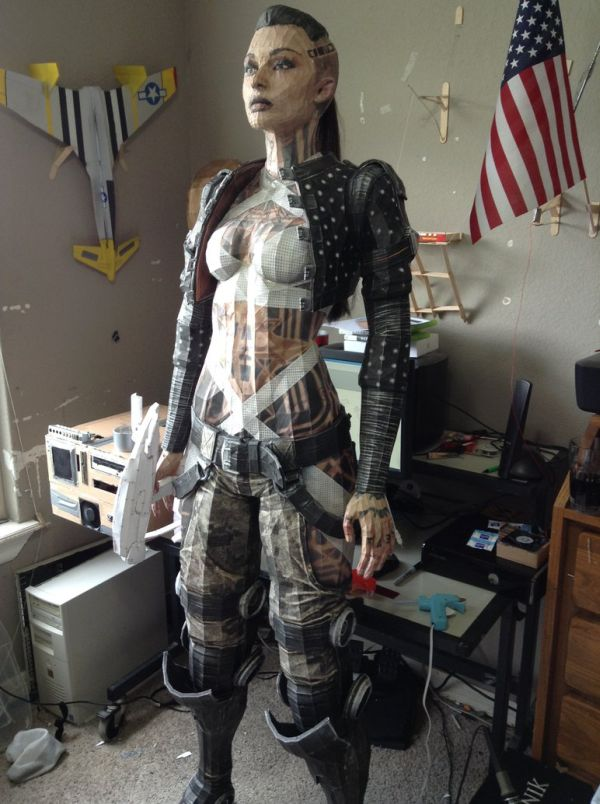Life-Size Papercraft Model Of Mass Effect's Jack (10 pics)