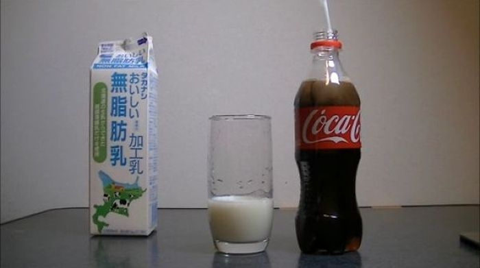 Cola with Milk (13 pics)