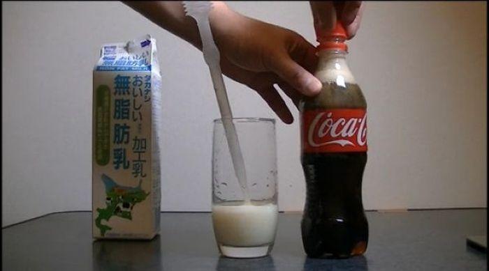 Cola with Milk (13 pics)