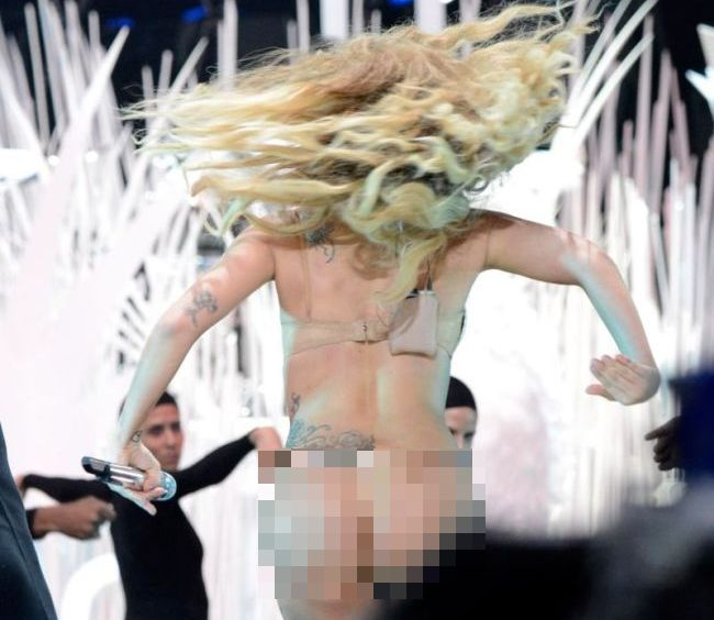 Lady Gaga at MTV VMA 2013 (10 pics)