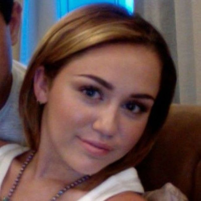 Miley Cyrus Aging Timeline (52 pics)