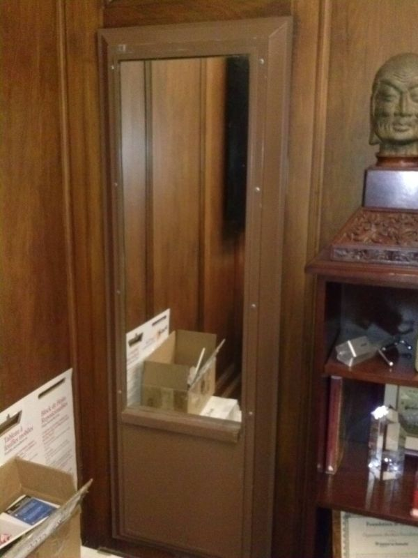 Secret Doors (10 pics)