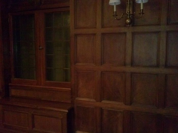 Secret Doors (10 pics)