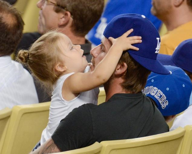 David Beckham and His 1-Year-Old Daughter at Dodgers Game (7 pics)