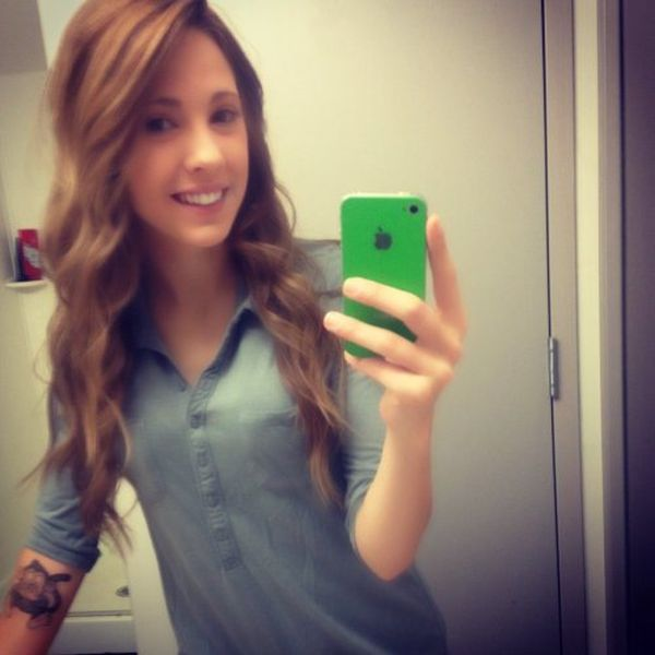 Cute Girls and Mirrors (40 pics)