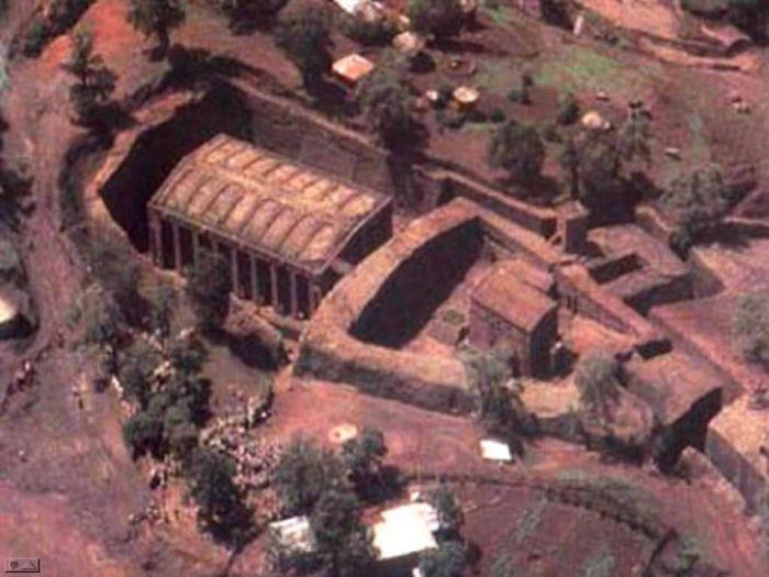 The Church of Saint George in Lalibela (44 pics)