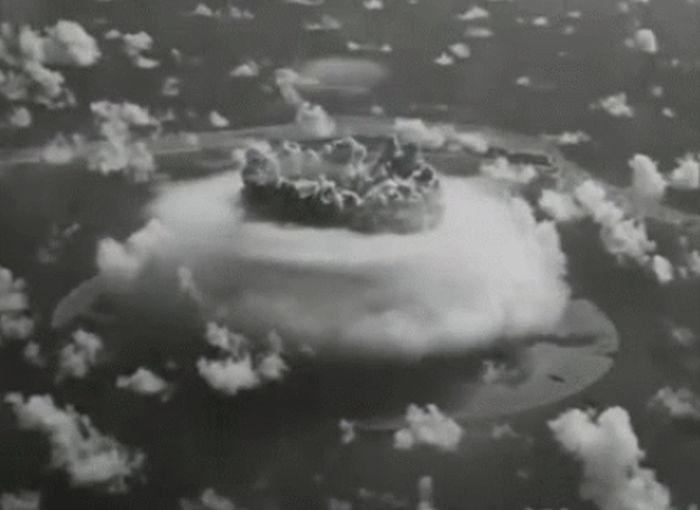 Nuclear Explosion Test (16 gifs)