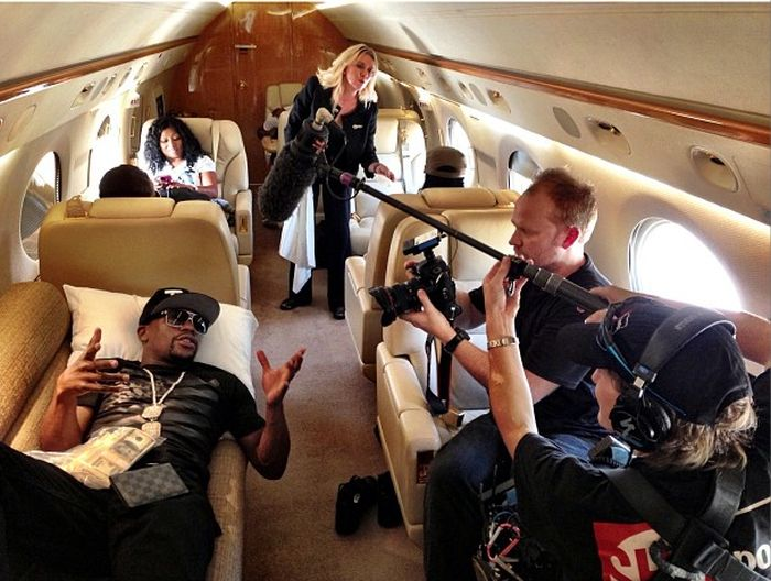 Floyd Mayweather's Luxurious Lifestyle. Part 2 (29 pics)
