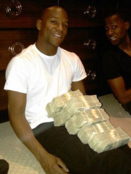 Floyd Mayweather's Luxurious Lifestyle. Part 2 (29 pics)