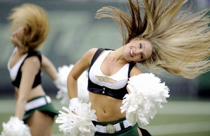 Sexy Cheerleaders (64 pics)
