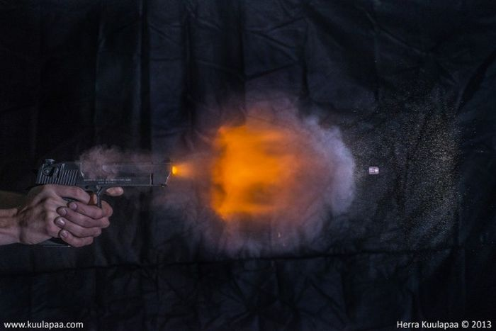 Gun Shots in Slow Motion (35 pics)
