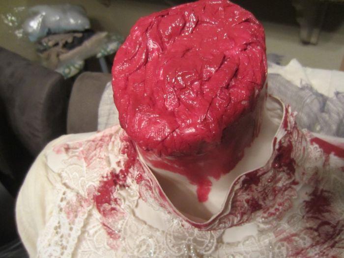 Headless Costumes (17 pics)