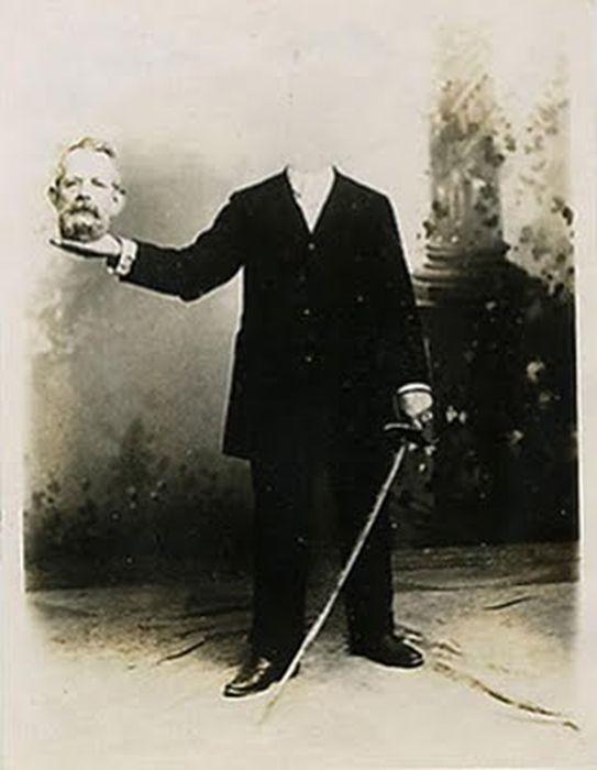 Potret Tanpa Kepala