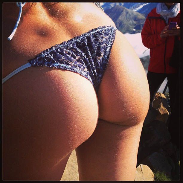 #BoobCam and #Buttcam Instagram Photos (21 pics)