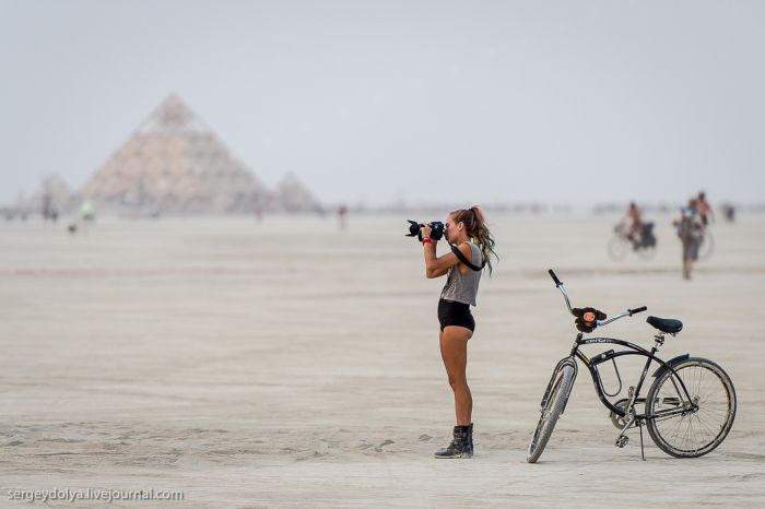 The Vehicles of Burning Man 2013 (39 pics)