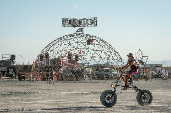 The Vehicles of Burning Man 2013 (39 pics)