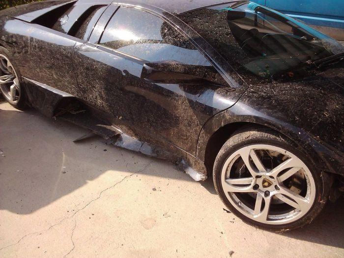 Lamborghini Crash (9 pics)