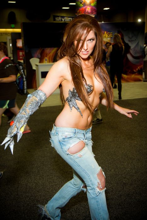 Hot Girls of San Diego Comic Con 2013 (31 pics)