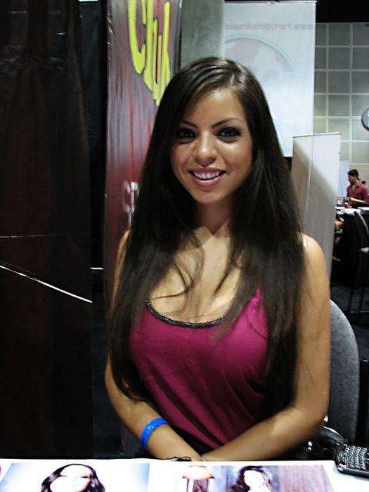 Adult Film Actresses in Real Life (38 pics)