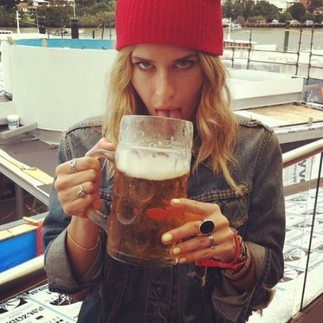 Girls Love Beer (44 pics)