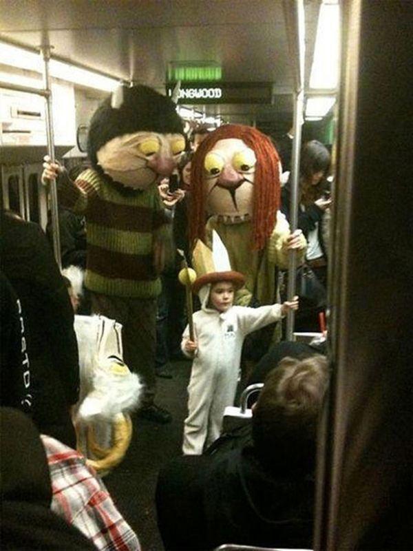 Halloween Costumes (35 pics)