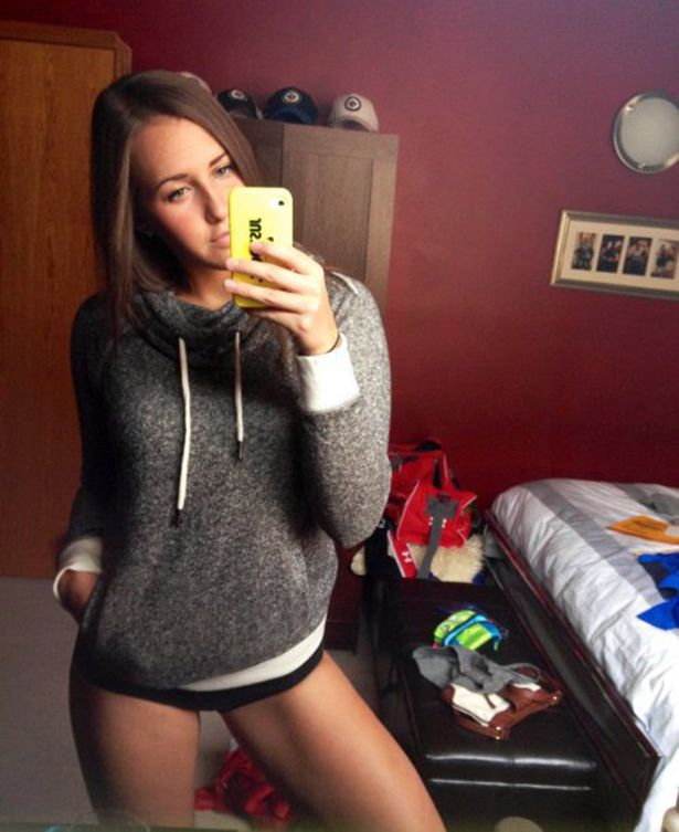 Girls in Mirrors (31 pics)