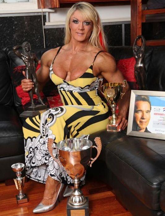 Photos of Lisa Cross (11 pics)