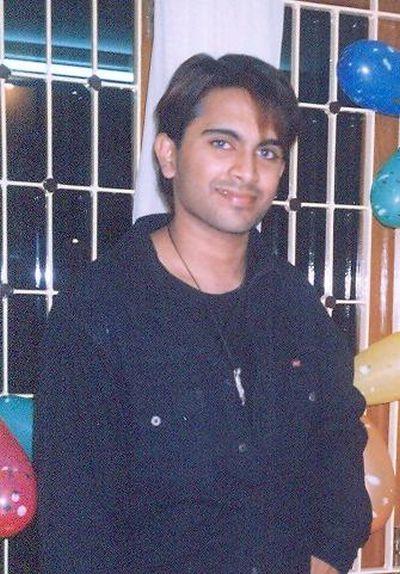 Indian Synthol Freak Suroor (17 pics)