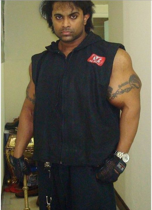 Indian Synthol Freak Suroor (17 pics)
