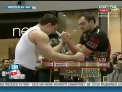 Muscleman on Armwrestling