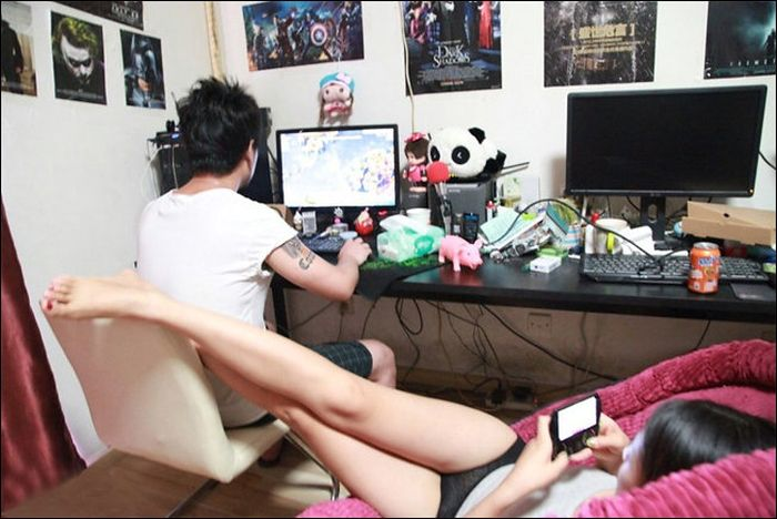 Gamer's Girlfriend (8 pics)