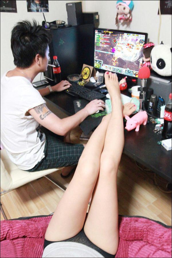 Gamer's Girlfriend (8 pics)