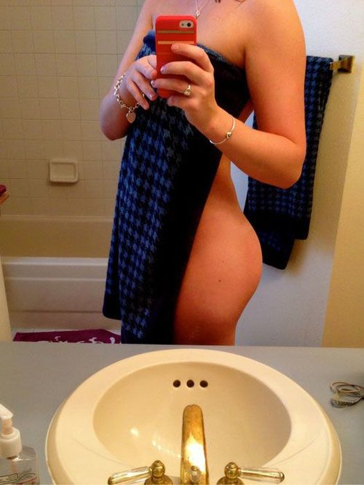 Girls in Towels. Part 2 (23 pics)