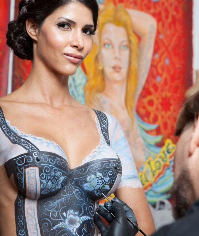 Oktoberfest Body Art (11 pics)