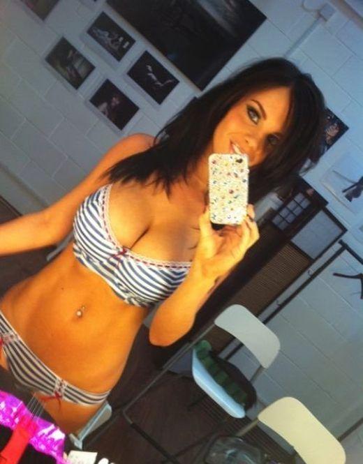 Sexy Selfies (40 pics)