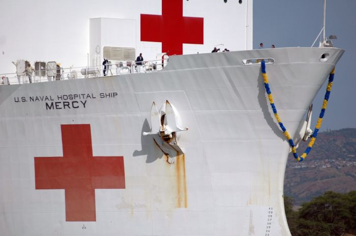 USNS Mercy and USNS Comfort (104 pics)