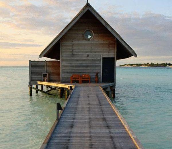 Boat Hotel (18 pics)