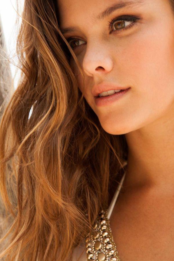 Nina Agdal Bikini Pictures (27 pics)
