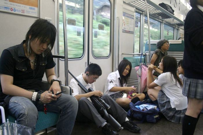 Strange People in Subway (54 pics)