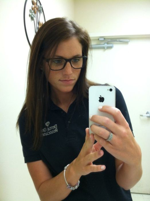 Girls Get Bored at Work. Part 2 (34 pics)
