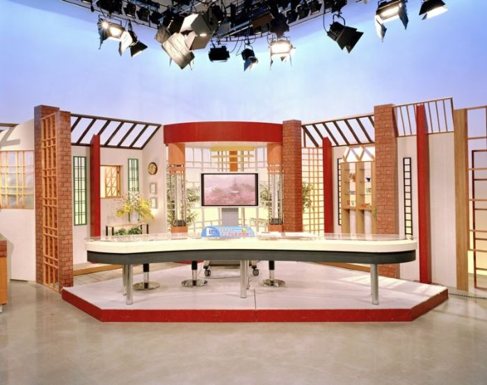 TV Studios Around the World (20 pics)