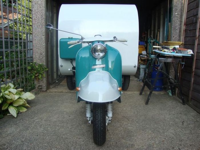 An Old Scooter Transformed into a Mobile Home (28 pics)