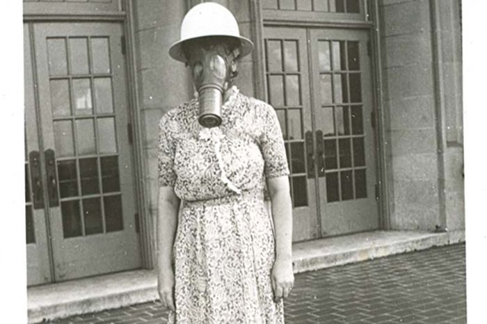 Vintage Halloween Costume Pictures.Scary Vintage Halloween Costumes 27 Pics